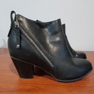 Torrid double zip black boots